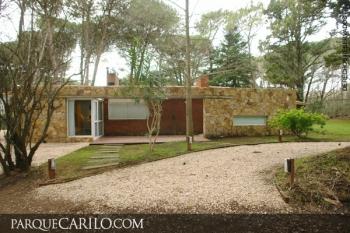 Casa en Alquiler en Caril�: Naranjero entre Cóndor y Alamo