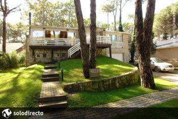 Casa en Alquiler en Caril�: Castaño entre Divisadero y Faisan