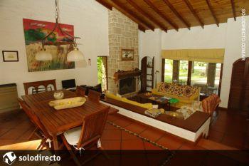 Casa en Alquiler en Caril�: Rey del Bosque entre Cerezo y Caoba