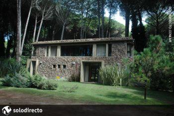 Casa en Alquiler en Caril�: Martineta esquina Cerezo