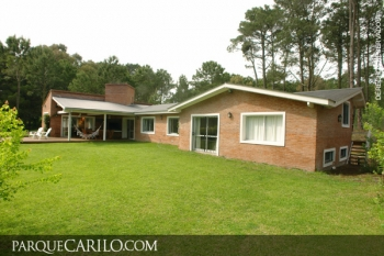 Casa en Alquiler en Caril�: Tucán esquina Fresno